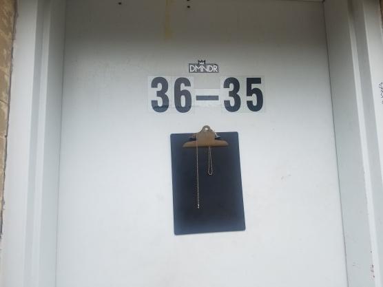 DMNDR_Doorsign_ARC_35thStreet